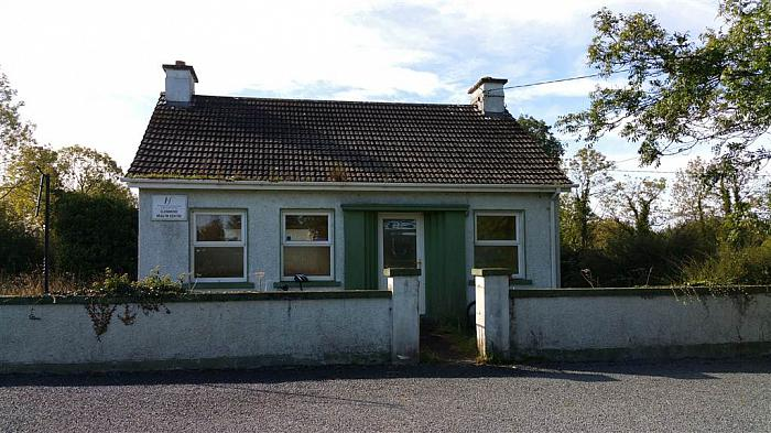 Former HSE Building, Clonmore